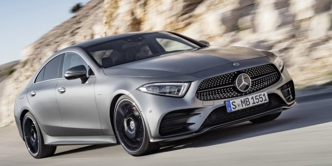Новая линейка шестицилиндровых двигателей и переработанный интерьер: Mercedes-Benz официально представил новый CLS