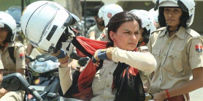 В Нью-Дели появилась женская мотополиция