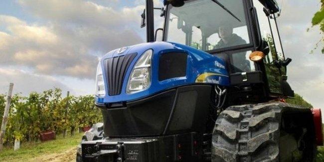 Умельцы «превратили» трактор в гусеничный вездеход