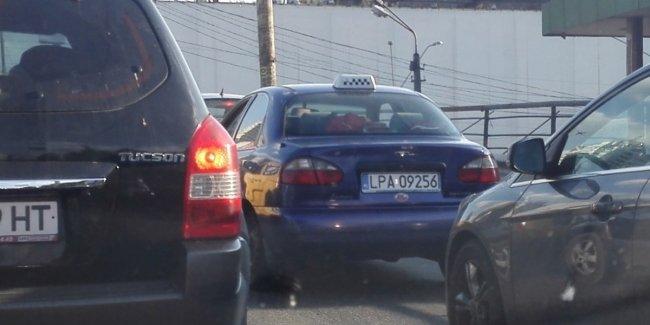 Владельцы автомобилей на еврономерах заплатили 38 млн грн штрафов