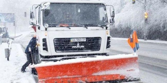 Не смотря на сильный снегопад в Киеве нет пробок