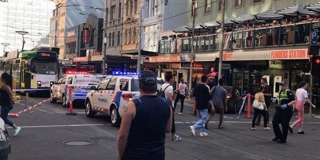 Внедорожник протаранил толпу пешеходов