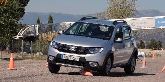 Renault Sandero Stepway провалил «лосиный» тест