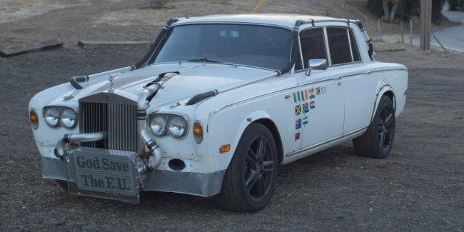 Rolls-Royce с «механикой» и интеркуллером на бампере выставили на торги