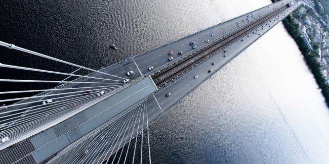 В Киеве из-за ремонтных работ ограничат движение по Южному мосту