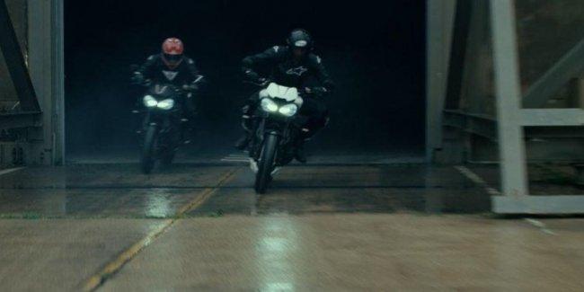 Второй тизер Triumph Speed Triple RS