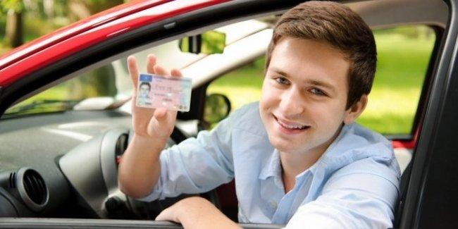 Страховка по 400 долларов в месяц: возможные перспективы для украинских водителей
