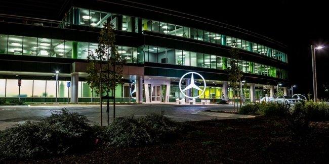 Китайскому владельцу Volvo достался крупнейший пакет акций Daimler