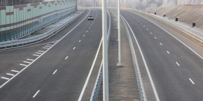 «Будем ремонтировать»: премьер-министр рассказал, когда в Украине будут хорошие дороги