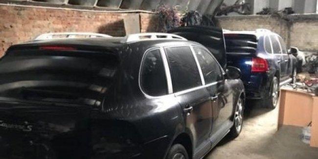 В Украине прикрыли схему ввоза элитных авто