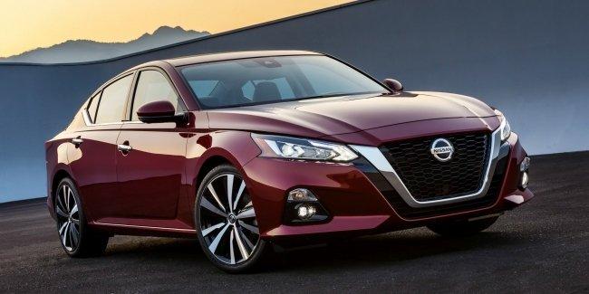 Японская «четырехдверка»: в Нью-Йорке дебютировал новый Nissan Altima