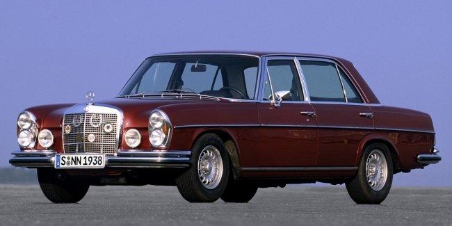 Юбилей легенды: каким был самый первый Mercedes AMG