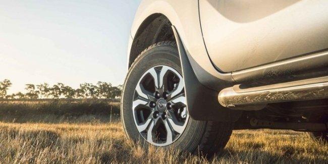 Mazda показала кусочек обновлённого пикапа BT-50