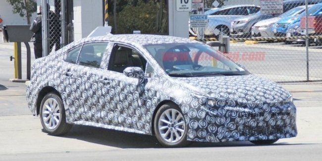 Новую Toyota Corolla сфотографировали на тестах
