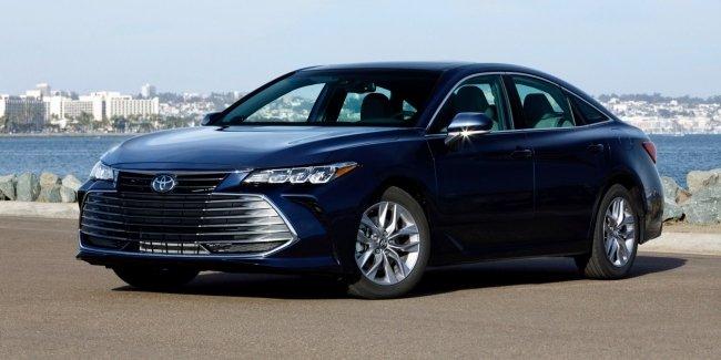 Озвучены цены седана Toyota Avalon нового поколения