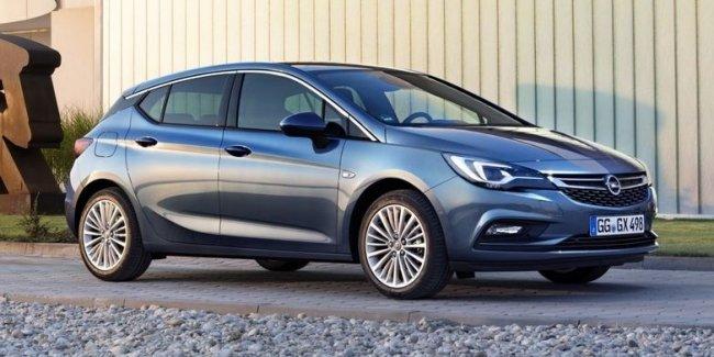 Водителя Opel Astra оштрафовали за езду на скорости 700 км/ч