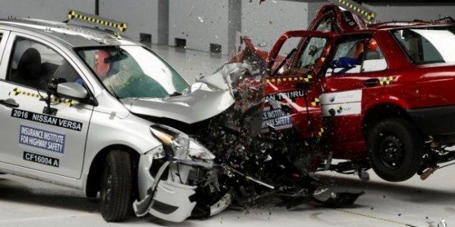 Американцы выяснили, на каких автомобилях ездить безопаснее