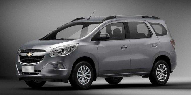 Chevrolet может показать новую версию компактвэна Spin через пару дней