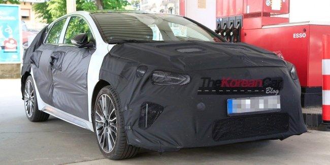 Kia вывела на тесты новый Ceed с кузовом Shooting Brake