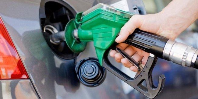 Бензины и ДТ дешевеют в розничных сетях