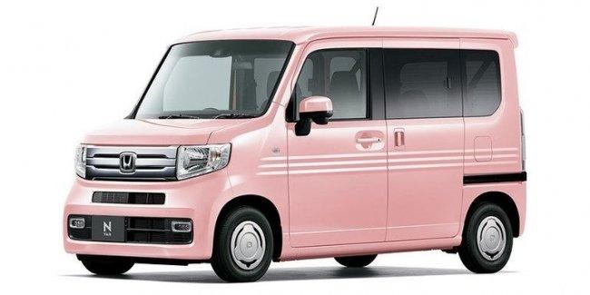 Honda засветила необычный фургон - без центральной стойки кузова