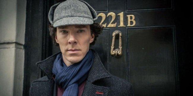 Исполнитель роли Шерлока Холмса защитил велосипедиста от грабителей