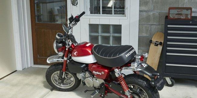 Мотоцикл скромнейших размеров Honda Monkey 2019 представлен официально