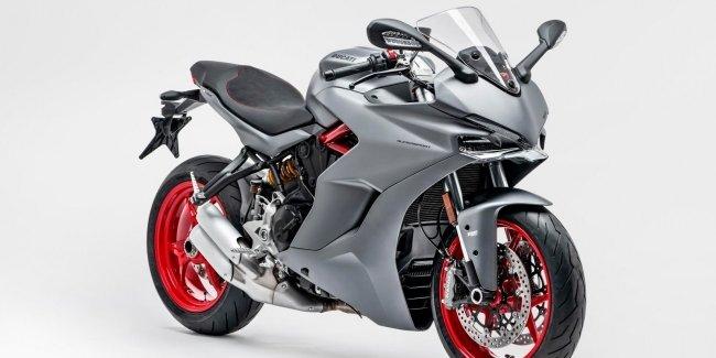 Мотоцикл Ducati покрасили в серый цвет вместо красного