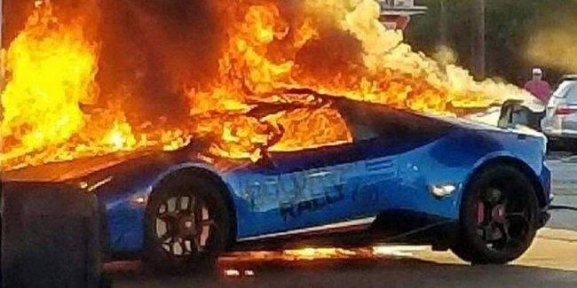 Забывчивый водитель минивэна спалил на заправке Lamborghini Huracan