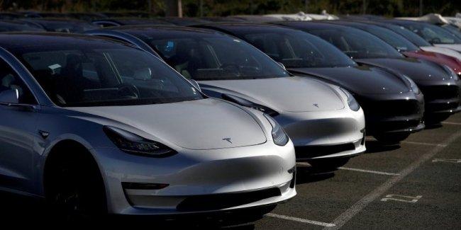 Водители целого государства объявили бойкот Tesla