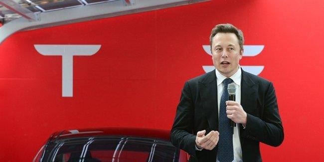 Tesla вновь получила рекордный убыток