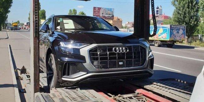 В Украину приехал самый спортивный и самый дорогой кроссовер Audi