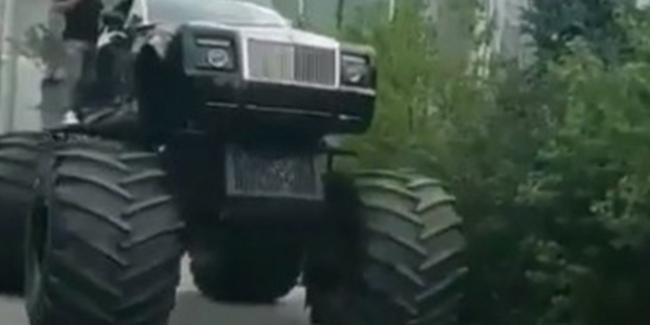 Кабриолет Rolls-Royce Phantom превратили в бигфут