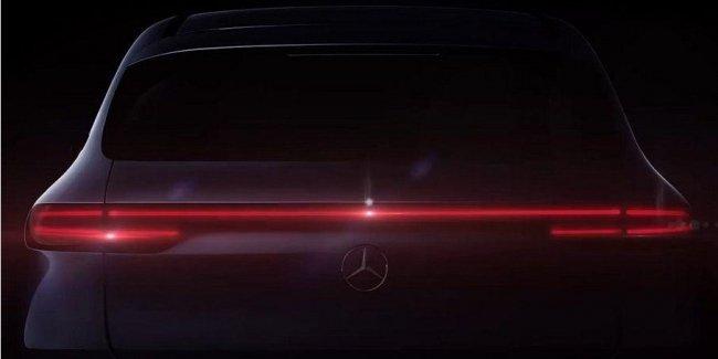 Вот таким будет интерьер первого электрокроссовера Mercedes-Benz
