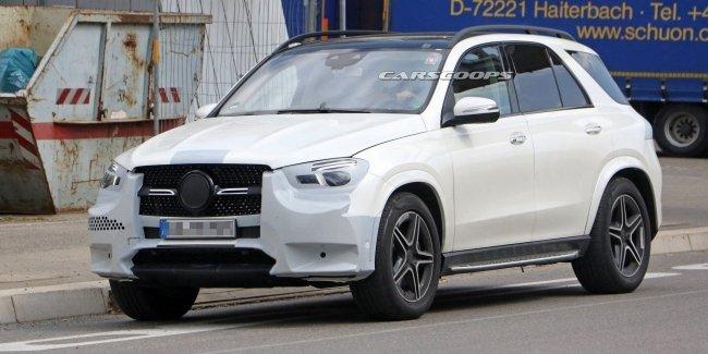Дизайн нового поколения Mercedes-Benz GLE рассекретили до премьеры