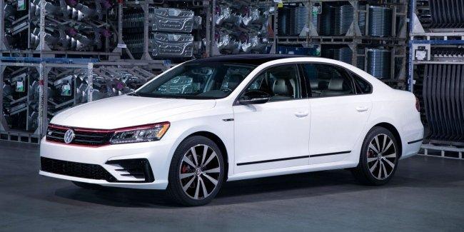 Американский VW Passat 2019 сократили до двух версий