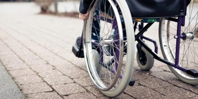 ВР отнесла лиц на инвалидных колясках к участникам дорожного движения