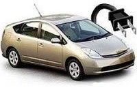 Toyota начала тесты гибрида, заряжающегося от сети
