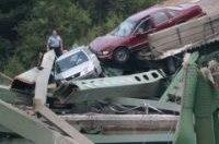 Восстановление разрушенного моста в США обойдется в 250 млн долларов