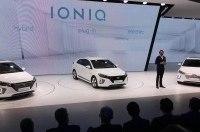 Hyundai презентовала в Женеве сразу три новых хетчбека - первые подробности