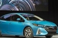 Новый Toyota Prius можно будет зарядить от сети за 140 минут