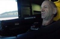 Создатель чемпионских машин Red Bull сразился на симуляторе с Култхардом