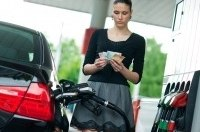 Дизель может сравняться по цене с бензином, а стоимость газа превысила 13 грн.