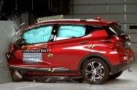 Электрокар Chevrolet Bolt получил высшую оценку в краш-тесте IIHS