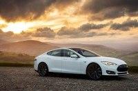 Tesla Model S проехала без подзарядки 900 километров