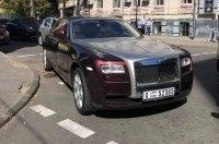 Мастер парковки на Rolls-Royce в Киеве стал звездой соцсетей