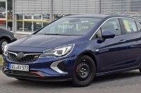 Мощнейшую версию Opel Astra сфотографировали с минимумом камуфляжа