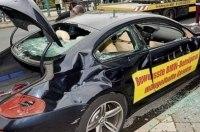 Ярый ненавистник BMW продолжает уничтожать автомобили баварской марки