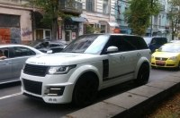 В Украине засветился эксклюзивный Range Rover Lumma CLR R