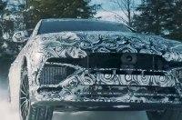 Посмотрите, как суперкроссовер Lamborghini дрифтит по снегу